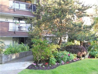 "Main Photo: 104 1352 W 10TH Avenue in Vancouver: Fairview VW Condo for sale in ""Tell Manor"" (Vancouver West)  : MLS(r) # R2111879"