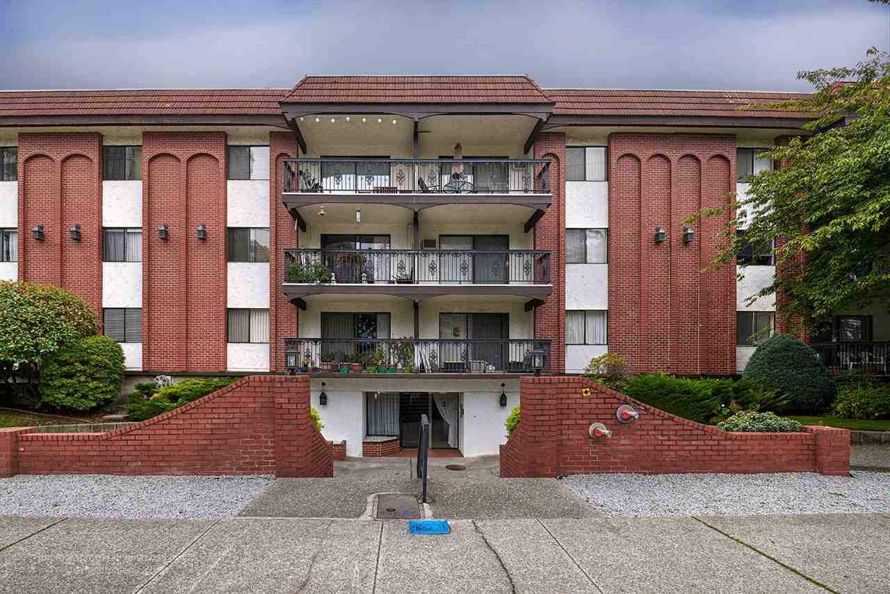 "Main Photo: 104 707 HAMILTON Street in New Westminster: Uptown NW Condo for sale in ""CASA DIANN"" : MLS® # R2112088"
