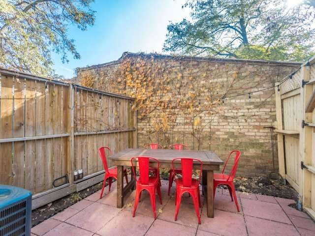 Photo 4: 5 Lancaster Avenue in Toronto: Cabbagetown-South St. James Town House (2-Storey) for sale (Toronto C08)  : MLS® # C3656274