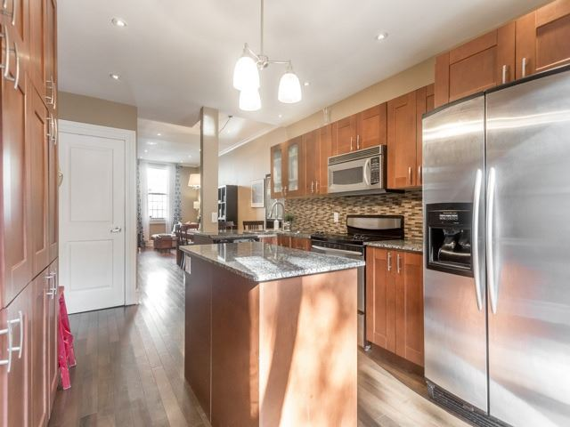 Photo 3: 5 Lancaster Avenue in Toronto: Cabbagetown-South St. James Town House (2-Storey) for sale (Toronto C08)  : MLS® # C3656274