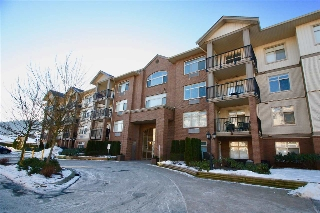 "Main Photo: 415 45753 STEVENSON Road in Sardis: Sardis East Vedder Rd Condo for sale in ""PARK PLACE II"" : MLS® # R2131497"