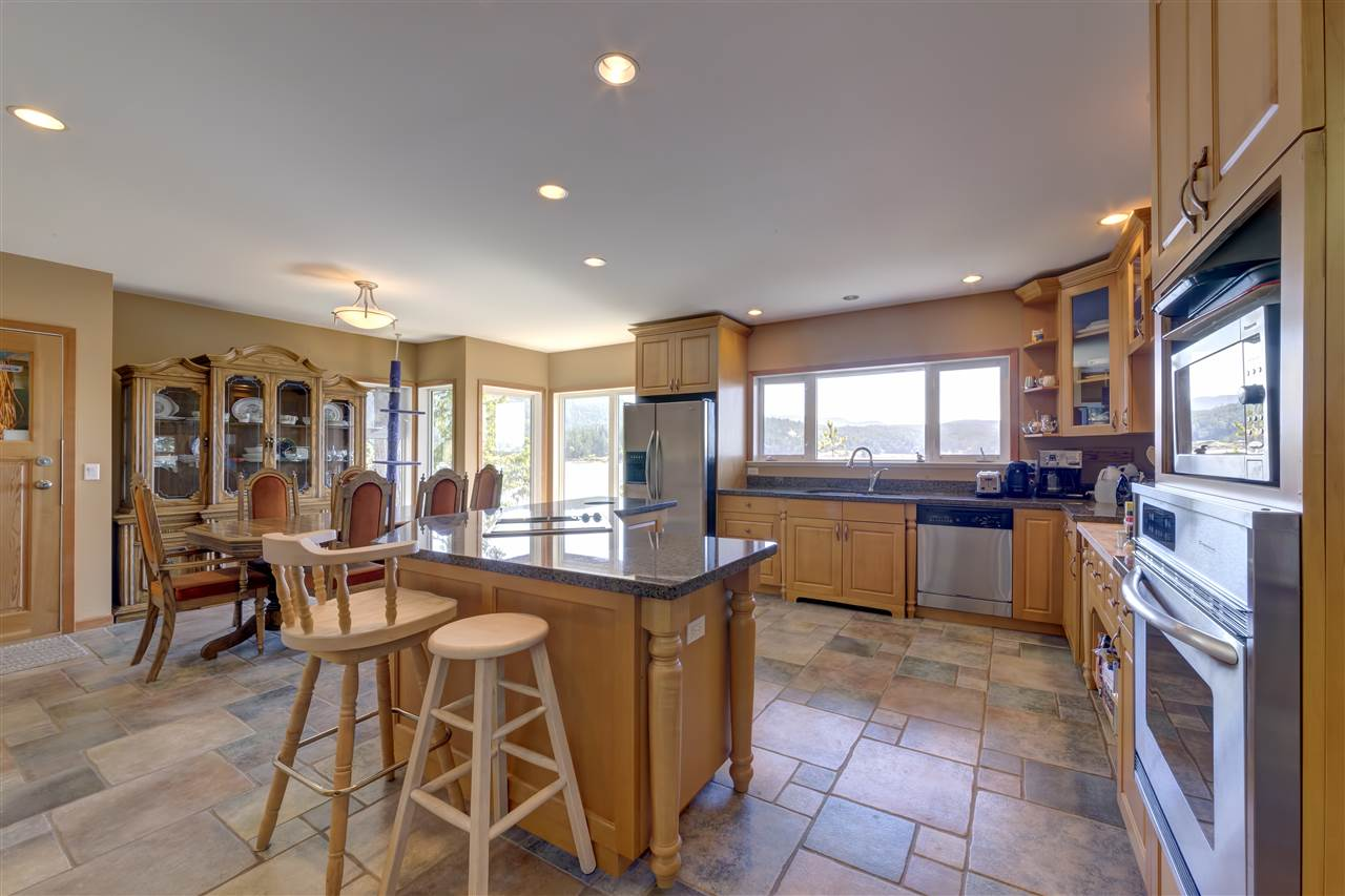"Photo 14: Photos: 12424 ARBUTUS LANDING Road in Pender Harbour: Pender Harbour Egmont House for sale in ""ARBUTUS LANDING/BEAVER ISLAND"" (Sunshine Coast)  : MLS® # R2132671"