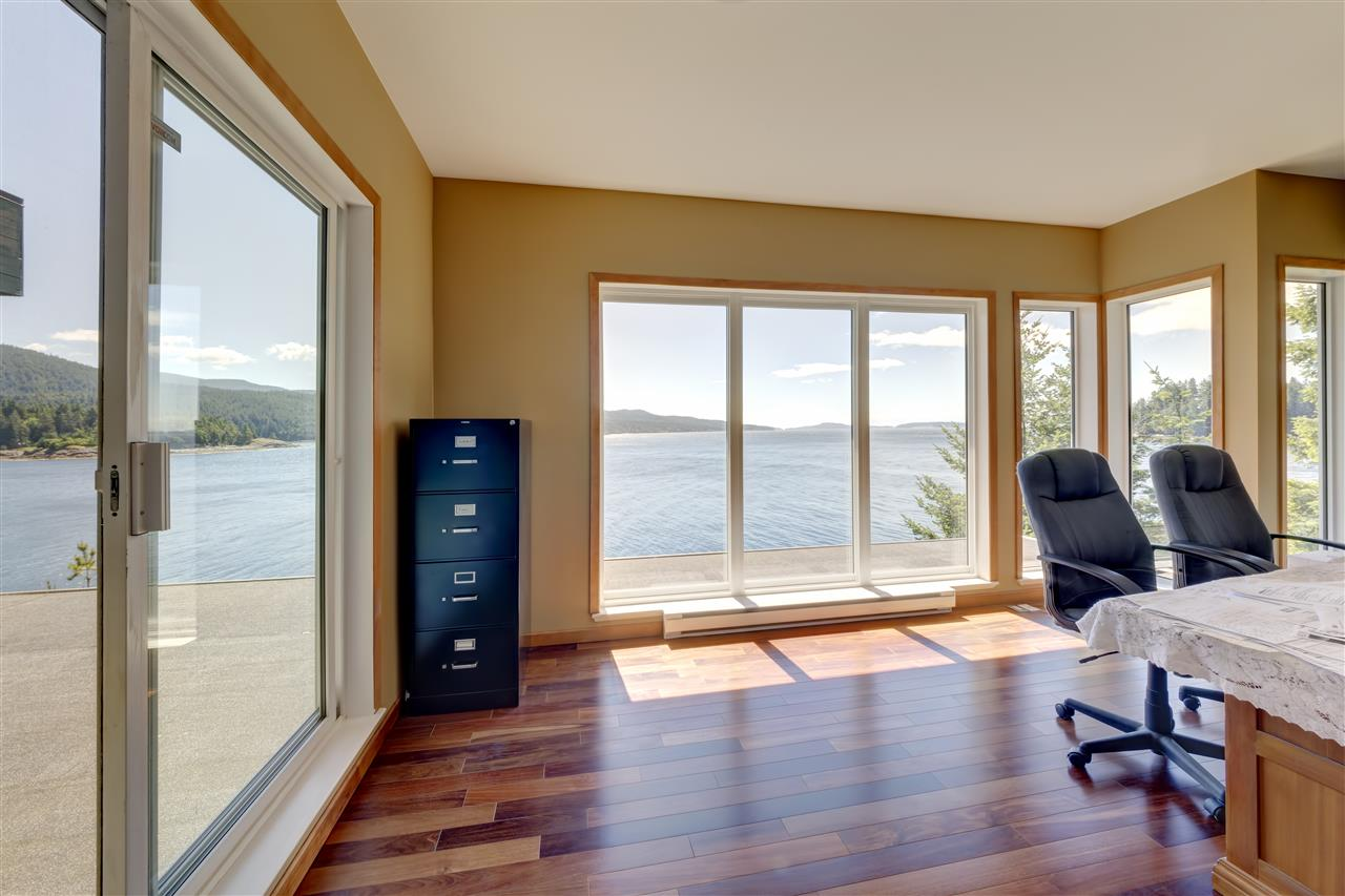 "Photo 3: Photos: 12424 ARBUTUS LANDING Road in Pender Harbour: Pender Harbour Egmont House for sale in ""ARBUTUS LANDING/BEAVER ISLAND"" (Sunshine Coast)  : MLS® # R2132671"