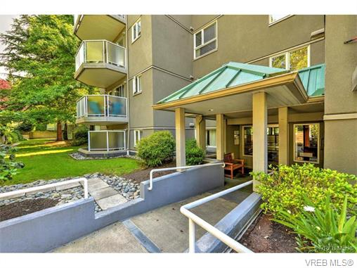 Photo 1: 406 2520 Wark Street in VICTORIA: Vi Hillside Condo Apartment for sale (Victoria)  : MLS® # 374367