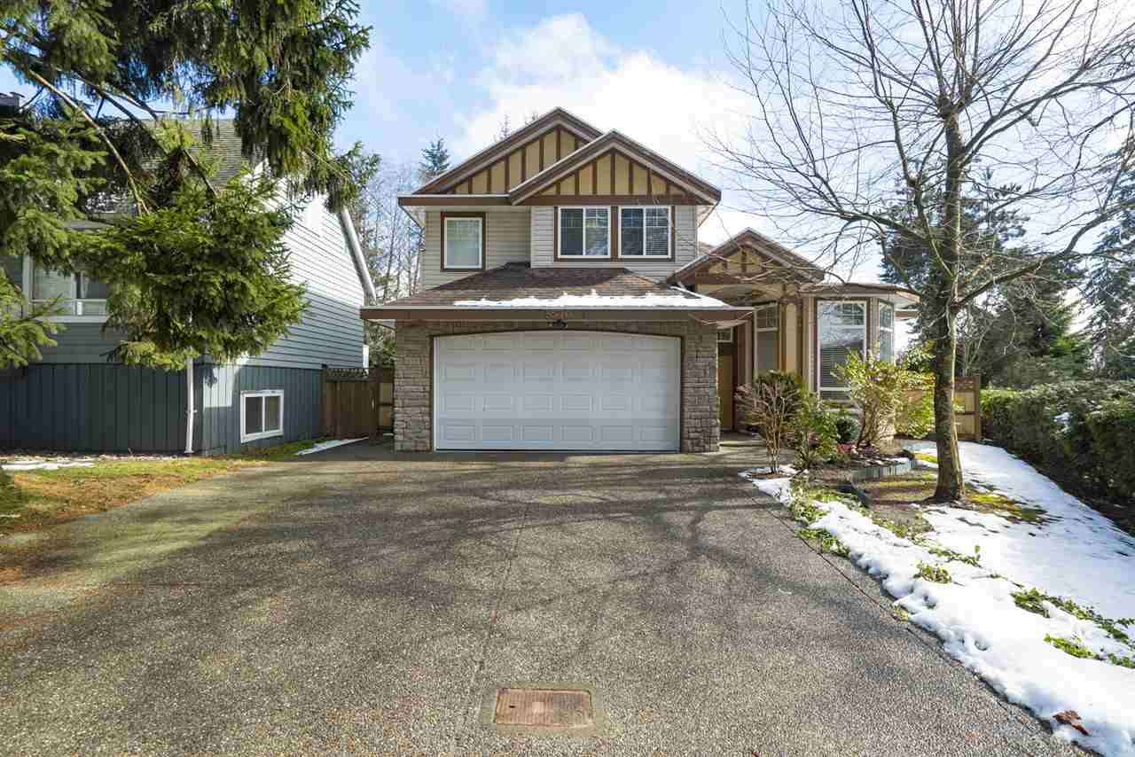 Main Photo: 8570 156 Street in Surrey: Fleetwood Tynehead House for sale : MLS®# R2146177