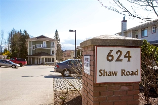 "Main Photo: 304 624 SHAW Road in Gibsons: Gibsons & Area Condo for sale in ""Rosewood"" (Sunshine Coast)  : MLS(r) # R2151087"