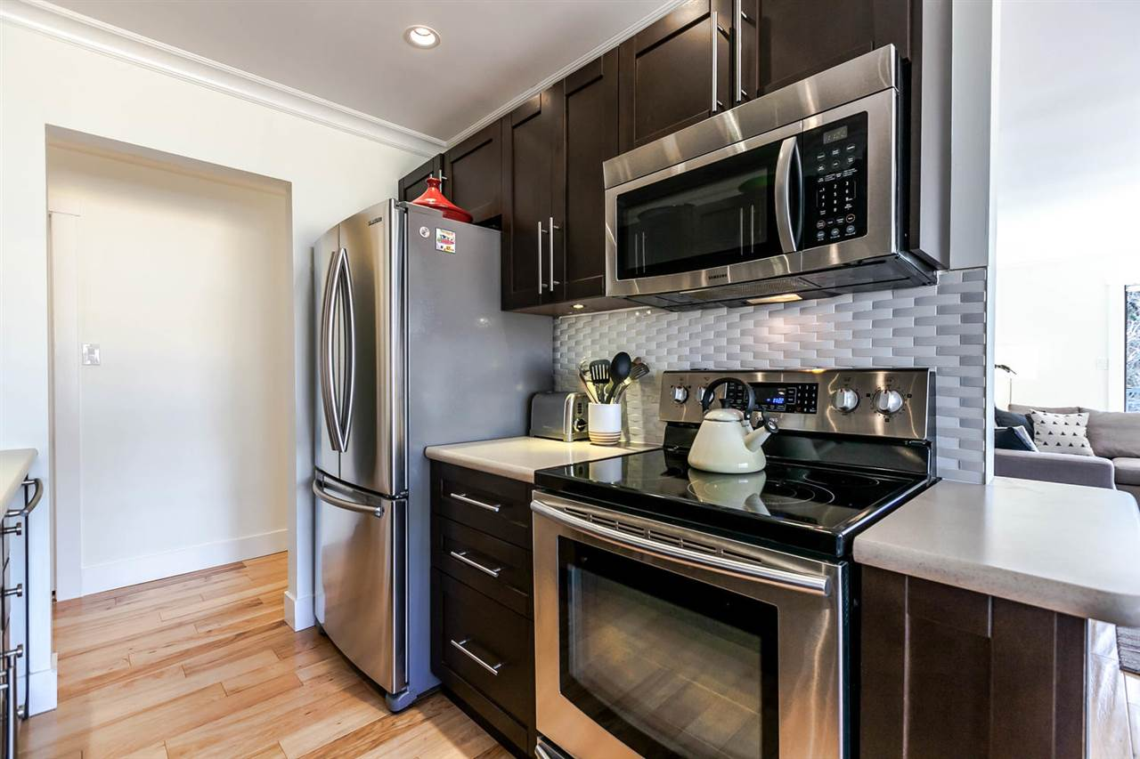 "Photo 9: 310 319 E 7TH Avenue in Vancouver: Mount Pleasant VE Condo for sale in ""Scotia Place"" (Vancouver East)  : MLS® # R2151730"