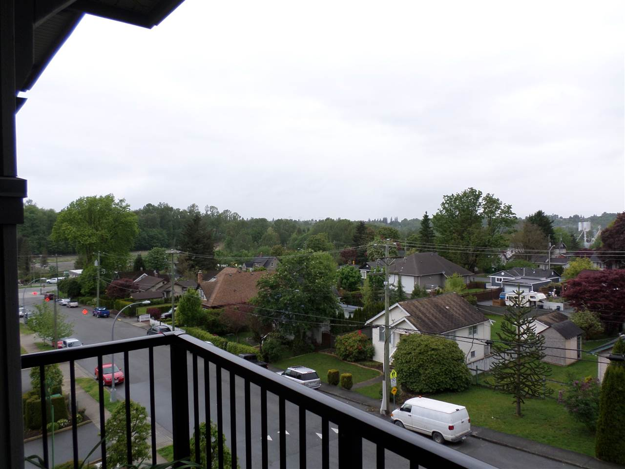 "Photo 19: 401 33898 PINE Street in Abbotsford: Central Abbotsford Condo for sale in ""GALLENTREE"" : MLS(r) # R2166109"