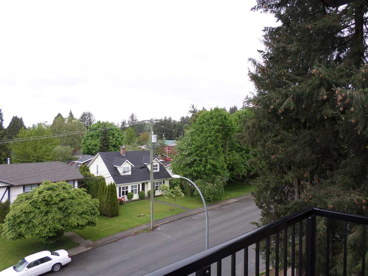 "Photo 20: 401 33898 PINE Street in Abbotsford: Central Abbotsford Condo for sale in ""GALLENTREE"" : MLS(r) # R2166109"