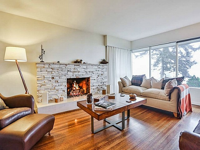 Main Photo: 68 BONNYMUIR Drive in West Vancouver: Glenmore House for sale : MLS(r) # R2166608