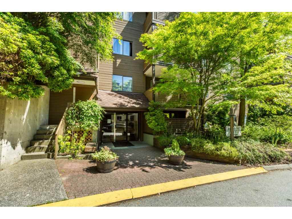 "Main Photo: 308 10698 151A Street in Surrey: Guildford Condo for sale in ""Lincoln's Hill"" (North Surrey)  : MLS® # R2173688"