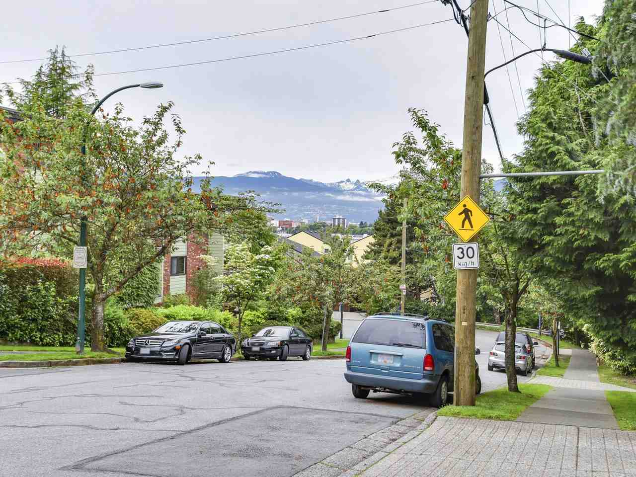 "Photo 15: 102 711 E 6TH Avenue in Vancouver: Mount Pleasant VE Condo for sale in ""Picasso"" (Vancouver East)  : MLS® # R2180358"