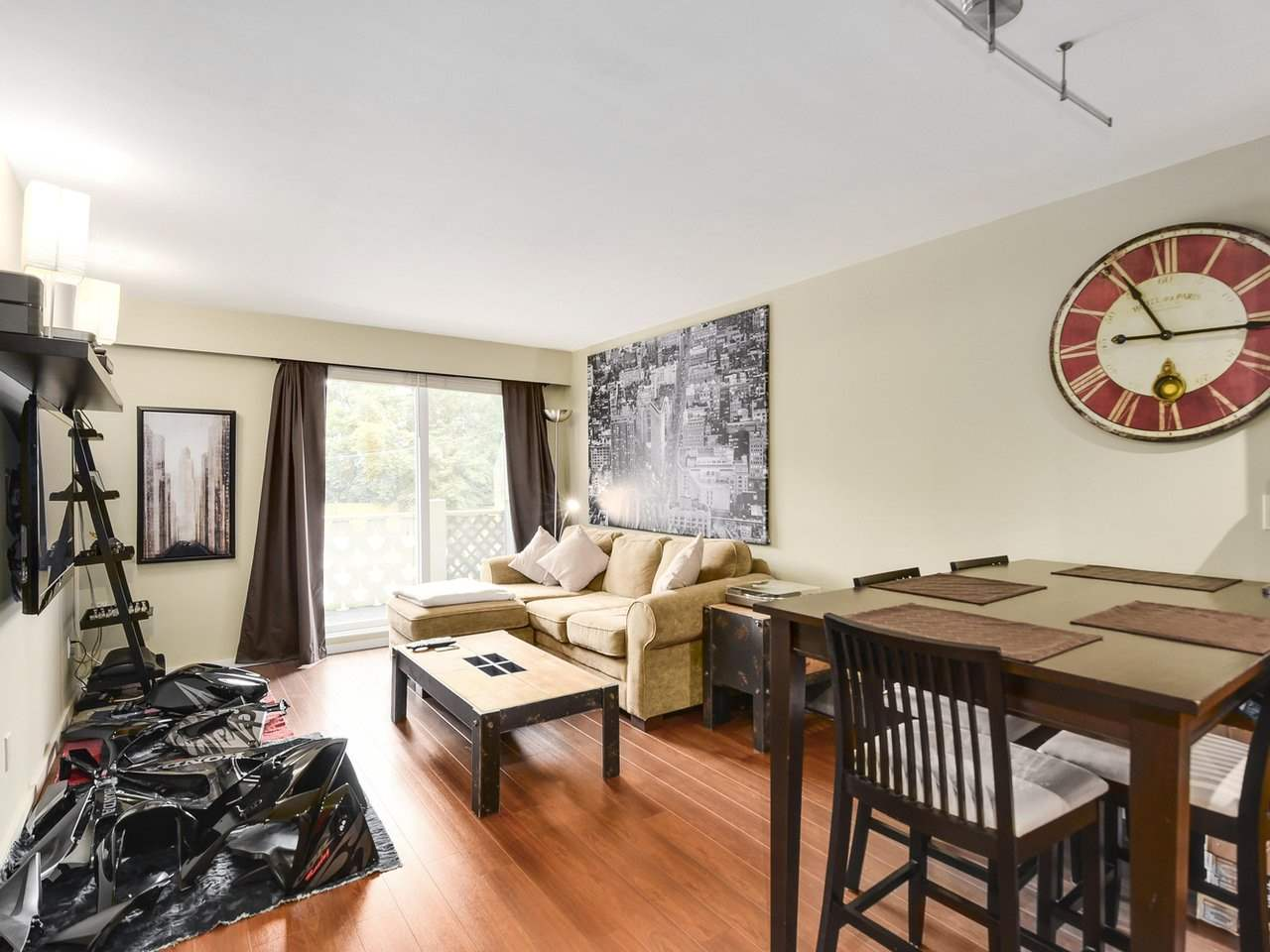"Photo 3: 102 711 E 6TH Avenue in Vancouver: Mount Pleasant VE Condo for sale in ""Picasso"" (Vancouver East)  : MLS® # R2180358"