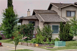 Main Photo: 110 DEERFIELD Terrace SE in Calgary: Deer Ridge House for sale : MLS(r) # C4123944