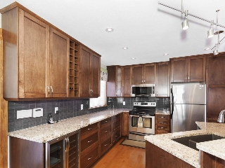 Main Photo: 15932 108 Avenue in Edmonton: Zone 21 House for sale : MLS® # E4081107
