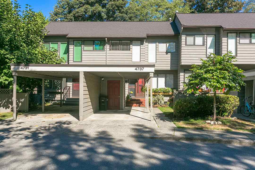 "Main Photo: 4737 CEDARGLEN Place in Burnaby: Greentree Village Townhouse for sale in ""GREENTREE VILLAGE"" (Burnaby South)  : MLS® # R2207478"