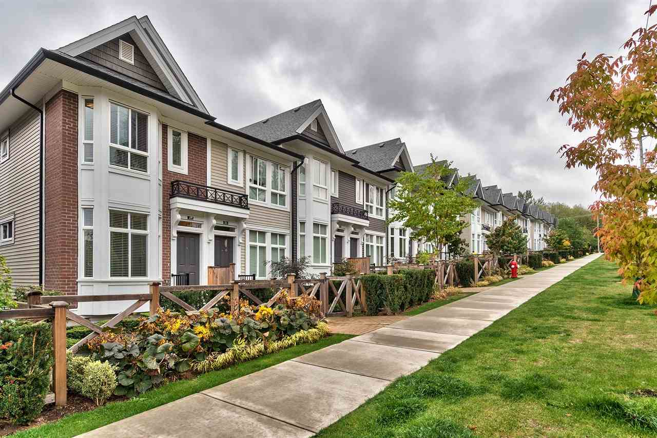 "Main Photo: 27 14433 60 Avenue in Surrey: Sullivan Station Townhouse for sale in ""BRIXTON"" : MLS® # R2209764"