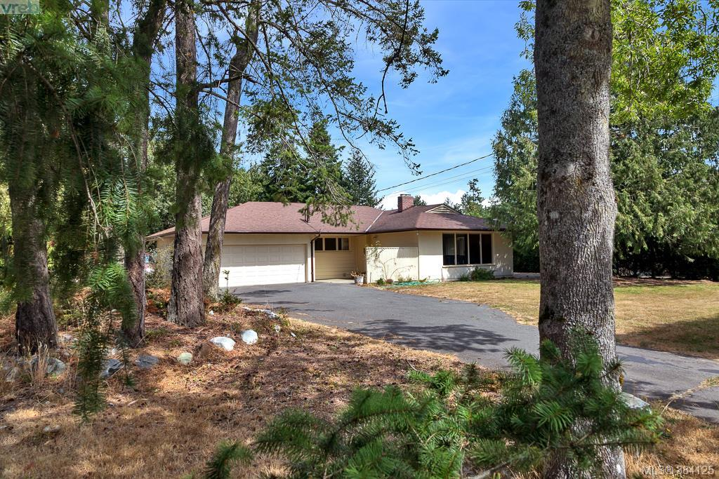 Main Photo: 2576 Arbutus Road in VICTORIA: SE Arbutus Single Family Detached for sale (Saanich East)  : MLS® # 384125