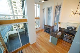 "Main Photo: 522 10 RENAISSANCE Square in New Westminster: Quay Condo for sale in ""Murano Lofts"" : MLS® # R2237878"