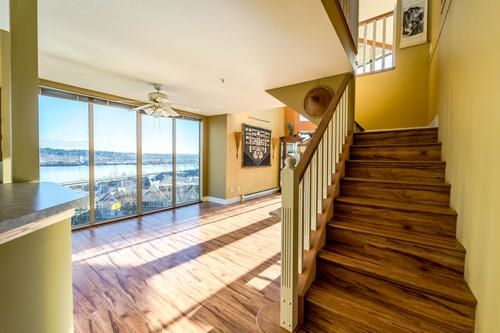 "Main Photo: 303 60 RICHMOND Street in New Westminster: Fraserview NW Condo for sale in ""Gatehouse Place"" : MLS® # R2239371"