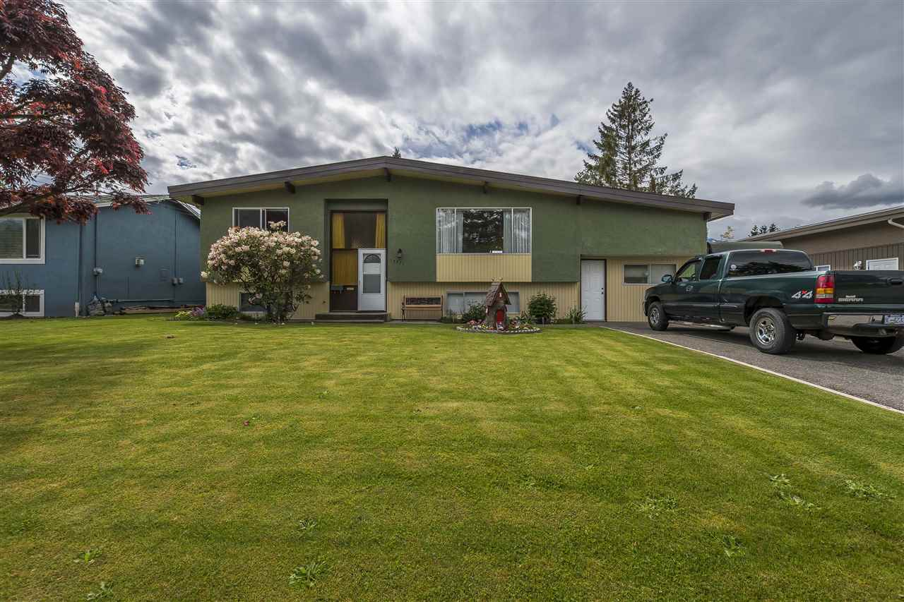 Main Photo: 10325 WEDGEWOOD Drive in Chilliwack: Fairfield Island House for sale : MLS®# R2267075
