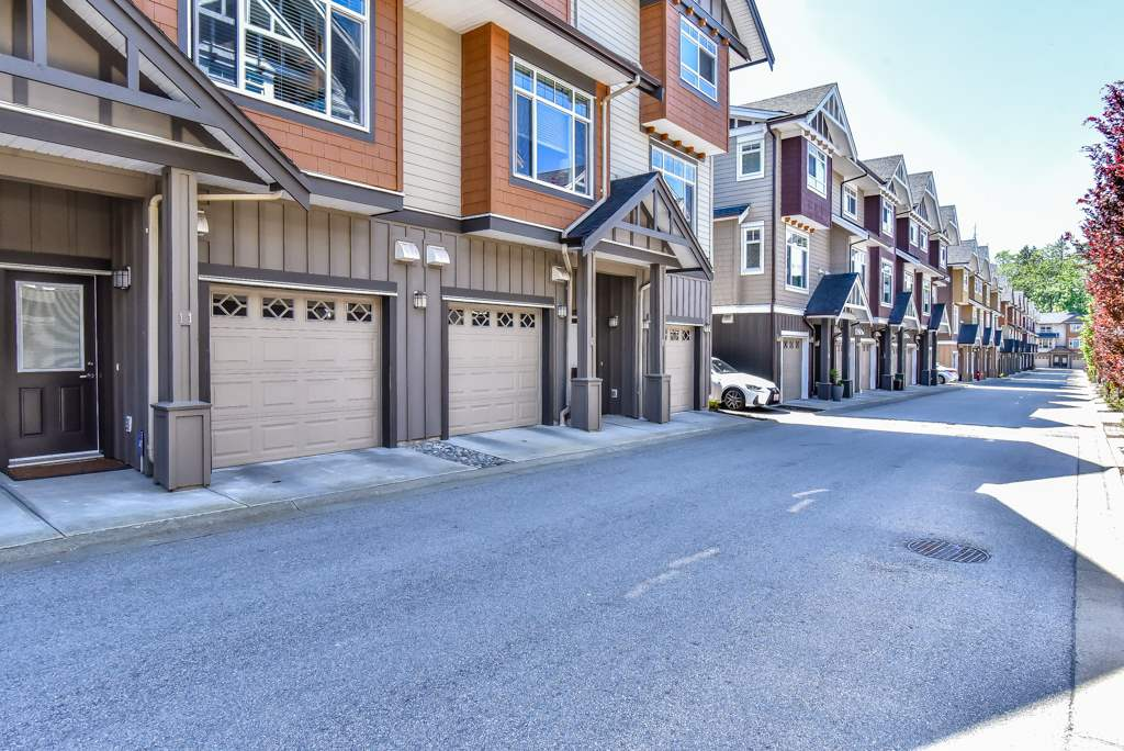 "Main Photo: 11 2979 156 Street in Surrey: Grandview Surrey Townhouse for sale in ""Enclave"" (South Surrey White Rock)  : MLS®# R2267166"