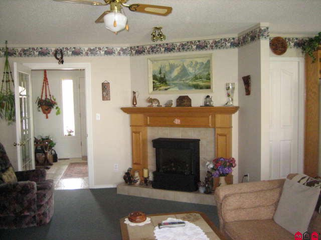 "Photo 3: 45413 BEECH NUT Avenue in Sardis: Sardis West Vedder Rd House for sale in ""WELLS LANDING"" : MLS(r) # H1102094"