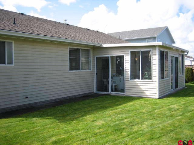 "Photo 10: 45413 BEECH NUT Avenue in Sardis: Sardis West Vedder Rd House for sale in ""WELLS LANDING"" : MLS(r) # H1102094"