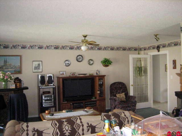 "Photo 8: 45413 BEECH NUT Avenue in Sardis: Sardis West Vedder Rd House for sale in ""WELLS LANDING"" : MLS(r) # H1102094"
