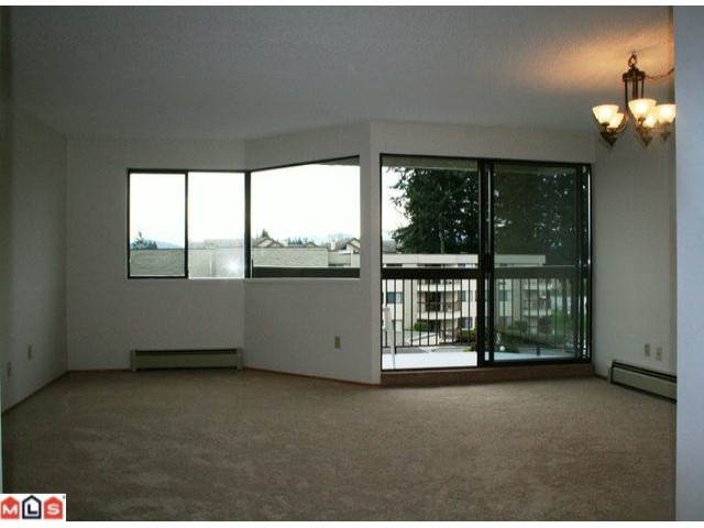 "Photo 13: Photos: 301 31955 OLD YALE Road in ABBOTSFORD: Abbotsford West Condo for sale in ""Evergreen Village"" (Abbotsford)  : MLS(r) # F1113165"