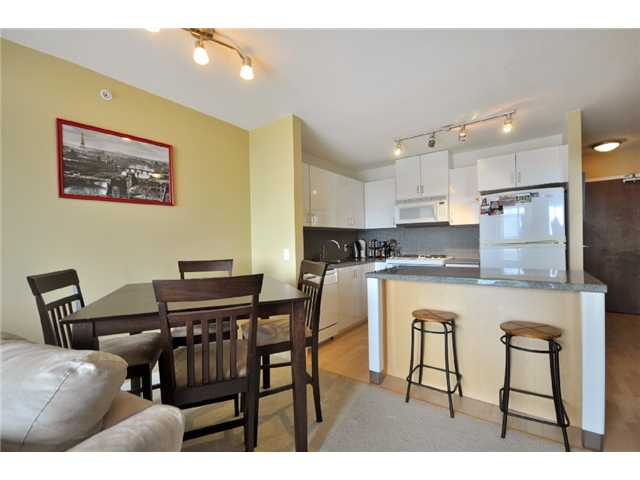"Main Photo: 1505 155 W 1 Street in North Vancouver: Lower Lonsdale Condo for sale in ""TIME"" : MLS® # V891188"