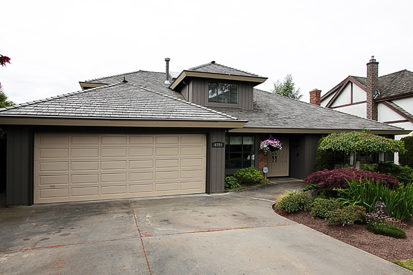 "Main Photo: 6760 WHITEOAK Drive in Richmond: Woodwards House for sale in ""S"" : MLS® # V897519"