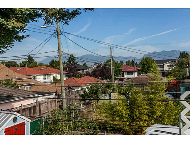 Photo 13: 4537 CULLODEN Street in Vancouver: Knight House for sale (Vancouver East)  : MLS(r) # V1140883