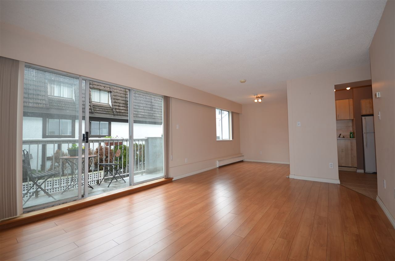 "Main Photo: 313 250 W 1ST Street in North Vancouver: Lower Lonsdale Condo for sale in ""CHINOOK HOUSE"" : MLS®# R2042708"