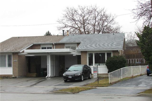 Main Photo: 1526 Swanage Crest in Mississauga: Clarkson House (Backsplit 3) for sale : MLS® # W3433939