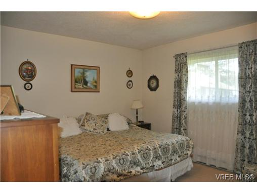Photo 9: 4352 Parkwood Terrace in VICTORIA: SE Broadmead Strata Duplex Unit for sale (Saanich East)  : MLS® # 363161