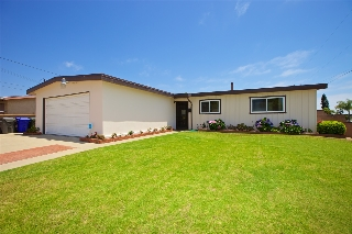 Main Photo: IMPERIAL BEACH House for sale : 3 bedrooms : 701 Hemlock Avenue