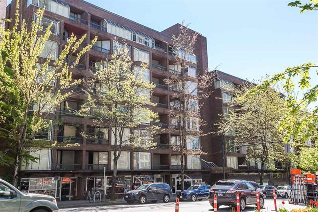 "Main Photo: 416 1330 BURRARD Street in Vancouver: Downtown VW Condo for sale in ""ANCHOR POINT 1"" (Vancouver West)  : MLS®# R2090966"