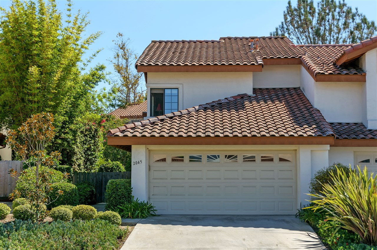Main Photo: ENCINITAS Twinhome for sale : 3 bedrooms : 2045 Coolngreen Way