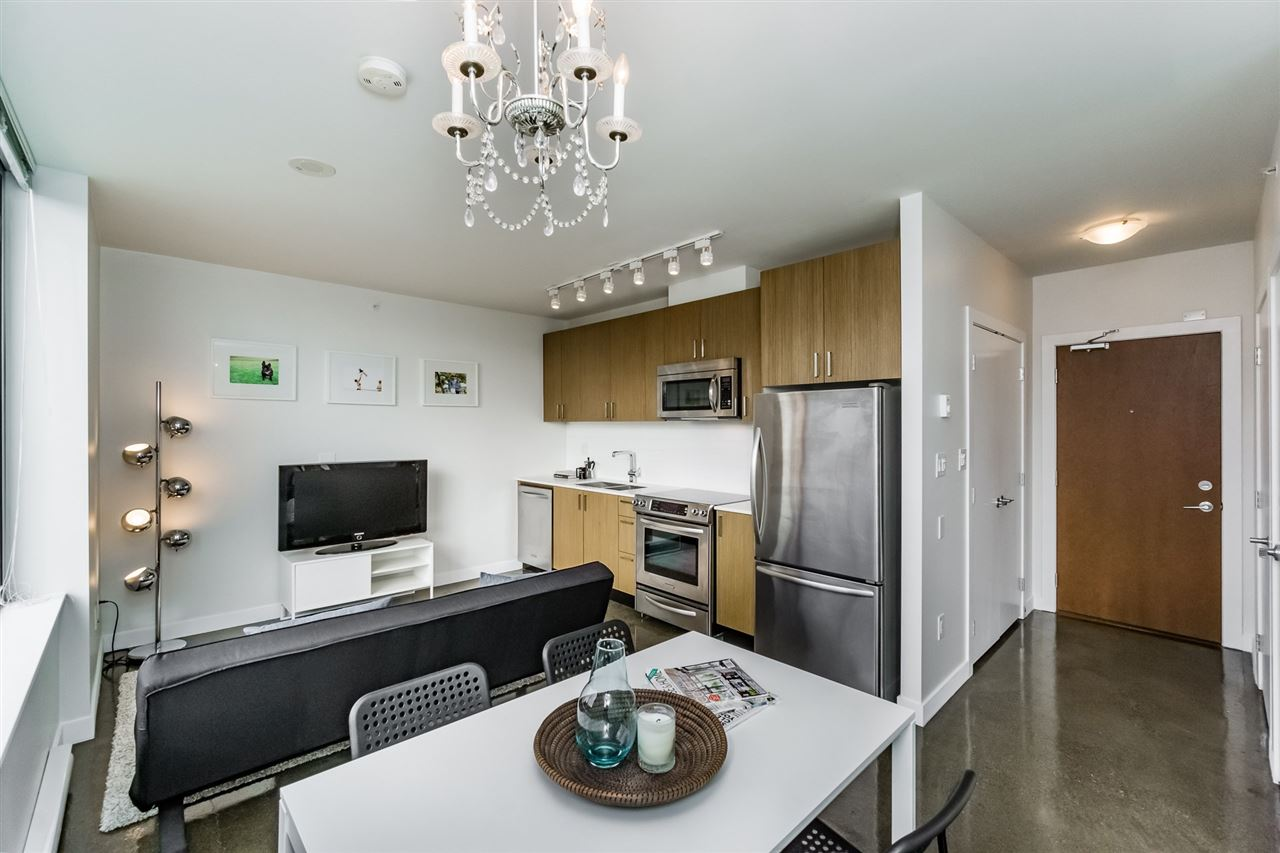 "Main Photo: 301 221 UNION Street in Vancouver: Mount Pleasant VE Condo for sale in ""V6A"" (Vancouver East)  : MLS®# R2113833"