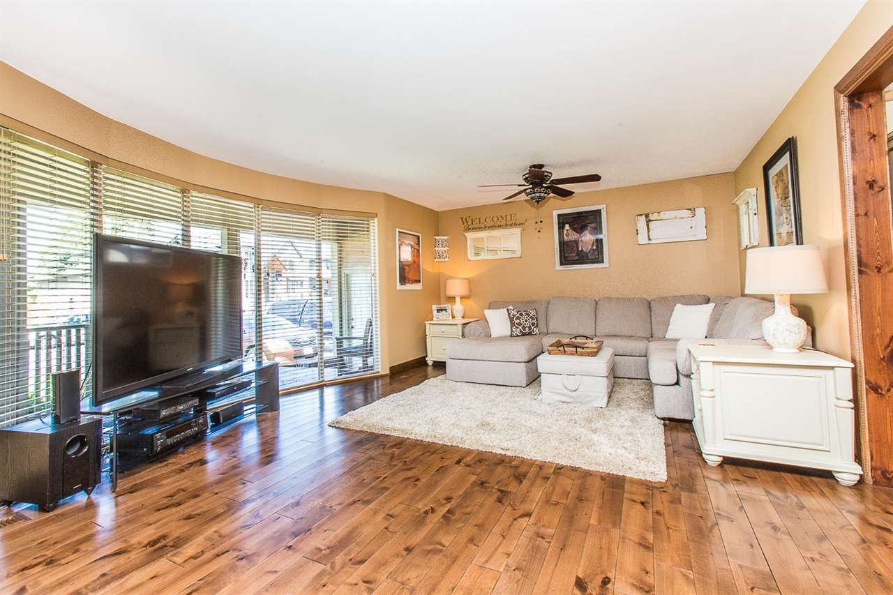 Main Photo: 20278 CHATWIN Avenue in Maple Ridge: Northwest Maple Ridge House for sale : MLS®# R2116925
