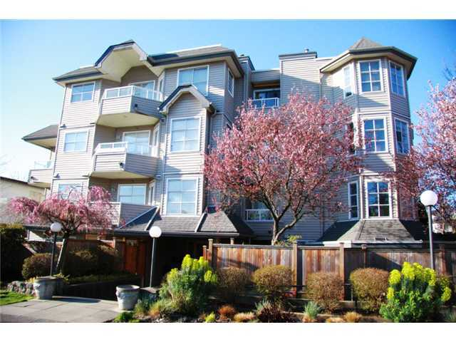 Main Photo: 201 1481 East 4th Avenue in Commercial Drive: Home for sale : MLS®# V881713