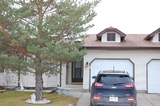 Main Photo: 5905 189 Street in Edmonton: Zone 20 House Half Duplex for sale : MLS(r) # E4051944