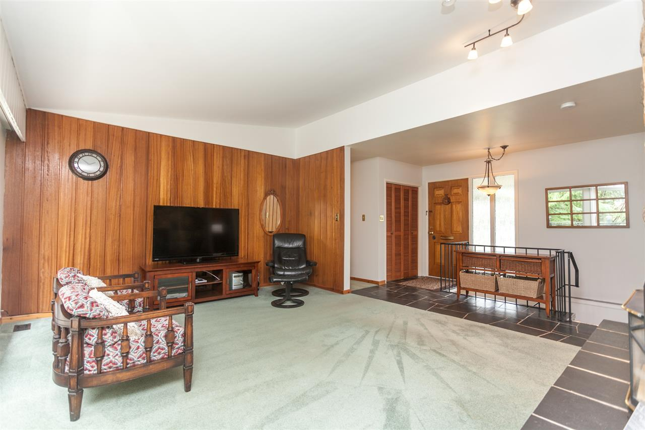 Photo 6: 2223 BERKLEY Avenue in North Vancouver: Blueridge NV House for sale : MLS(r) # R2152295