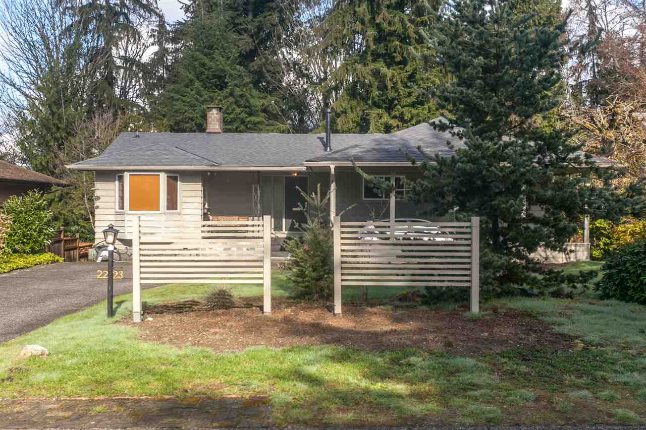 Photo 2: 2223 BERKLEY Avenue in North Vancouver: Blueridge NV House for sale : MLS(r) # R2152295