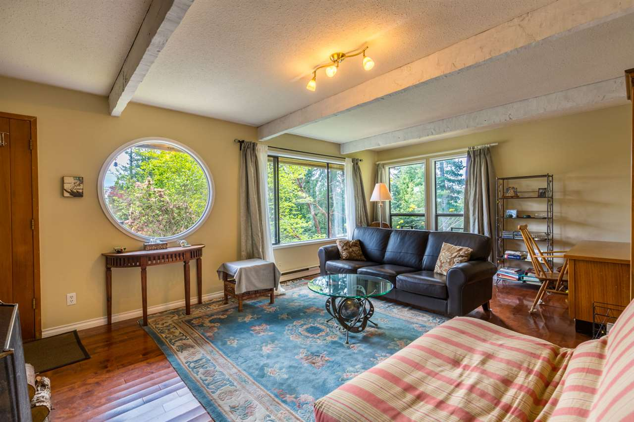 Photo 2: Photos: 8080 SOUTHWOOD Road in Halfmoon Bay: Halfmn Bay Secret Cv Redroofs House for sale (Sunshine Coast)  : MLS® # R2166710