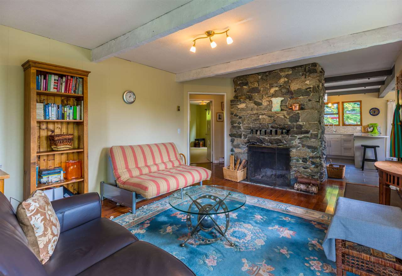 Photo 3: Photos: 8080 SOUTHWOOD Road in Halfmoon Bay: Halfmn Bay Secret Cv Redroofs House for sale (Sunshine Coast)  : MLS®# R2166710