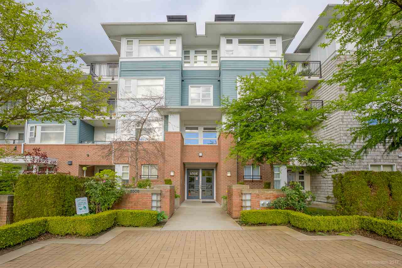 "Main Photo: 306 6508 DENBIGH Avenue in Burnaby: Forest Glen BS Condo for sale in ""OAKWOOD"" (Burnaby South)  : MLS(r) # R2167560"