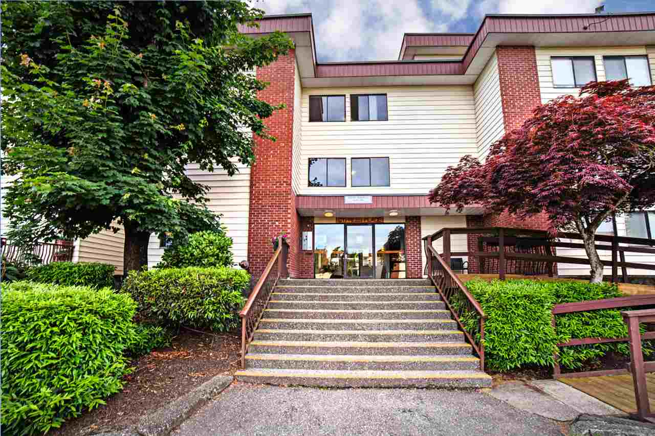 "Main Photo: 300 1909 SALTON Road in Abbotsford: Central Abbotsford Condo for sale in ""FOREST VILLAGE"" : MLS®# R2173079"