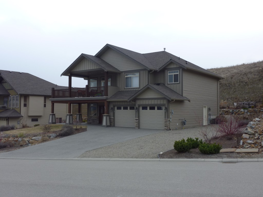Photo 2: 570 Mt. Ida Drive in Coldstream: Middleton Mountain House for sale (North Okanagan)  : MLS(r) # 10023105